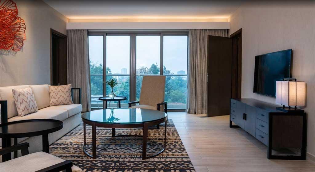 Radisson Blu Hotel & Residence, Nairobi Arboretum - living room